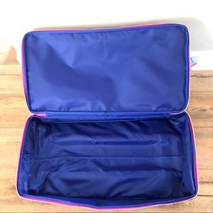 253e3b9c72 Lilly Pulitzer Bags - Lilly Pulitzer Oversized Rolling Duffle Bag